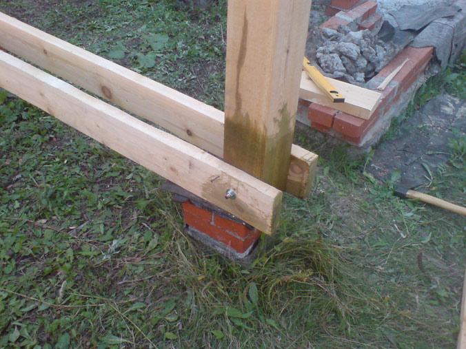 Как сделать столбы из дерева